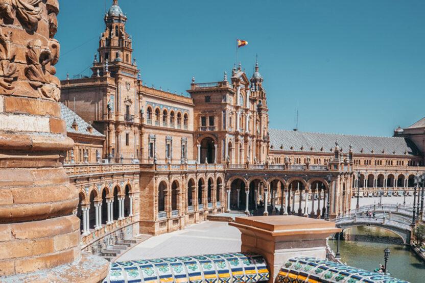 Der Plaza de España in Sevilla ist ein beliebter Drehort für Filme und Serien