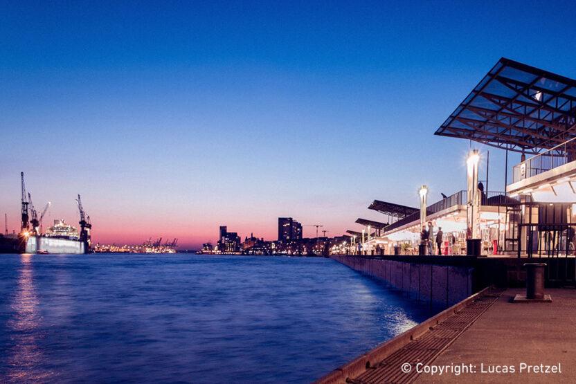 1057x705_Landungsbrücken-L-Sonnenuntergang bei den Landungsbrücken