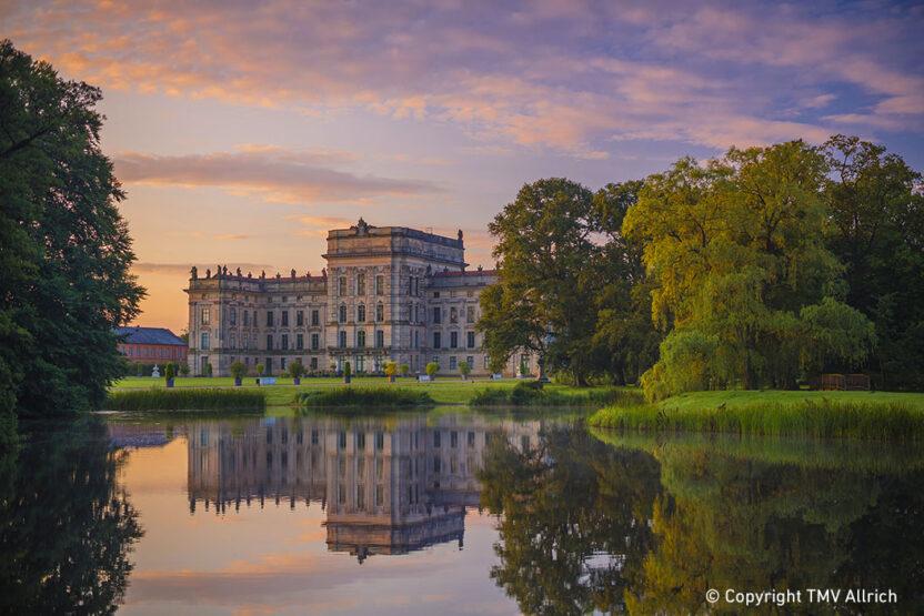 Schloss und See Ludwigslust