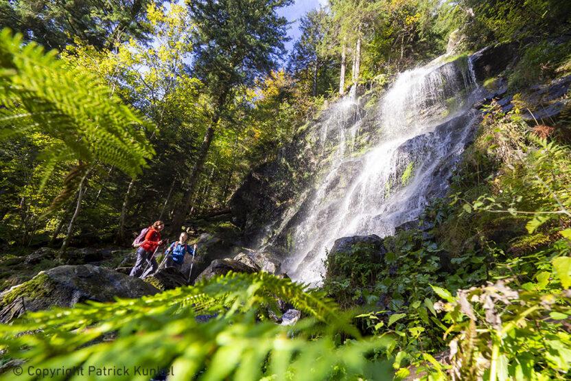 Wandern auf dem Zweitälersteig, Zweribachfall, Bannwald Zweribach