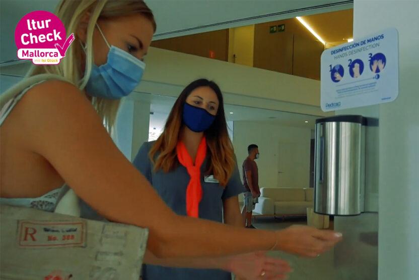 Handdesinfektion vor dem Check -In