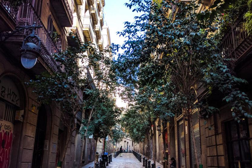 Urige Gassen in der Altstadt Barcelonas