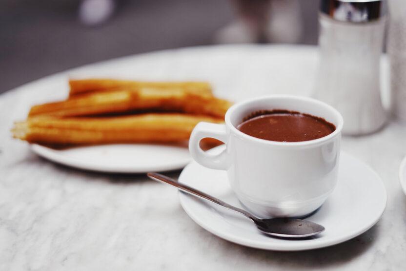 Frühstück wie die Spanier: Churros mit heißer Schokolade